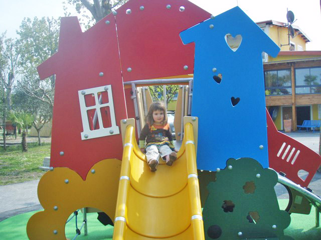 Playground for children at the campsite in Palavas near the sea in the (...)