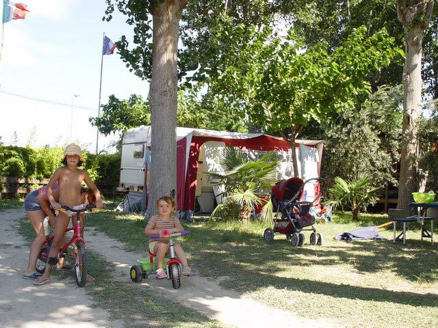 Camping Oasis Palavasienne Palavas in Herault near the sea, children can (...)