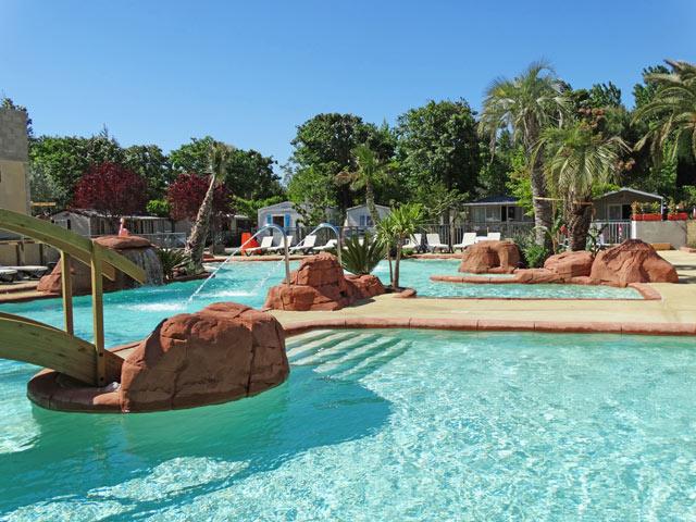 la piscine du camping l 39 oasis palavassienne palavas montpellier. Black Bedroom Furniture Sets. Home Design Ideas